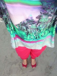 shirt-oversized-bunt-hose-pink